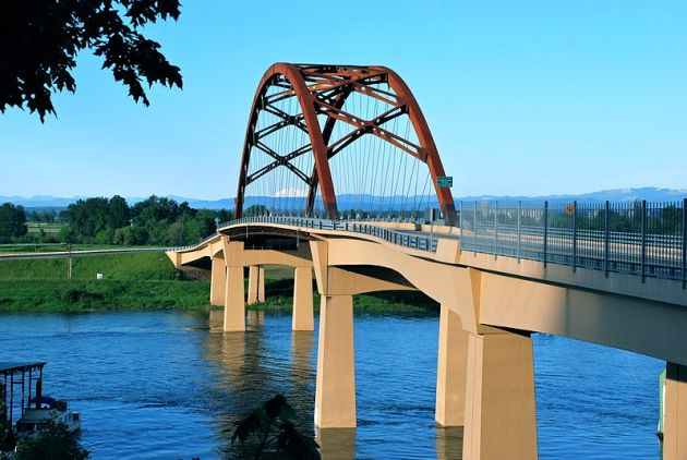 800px-Sauvie_Island_Bridge_(second)