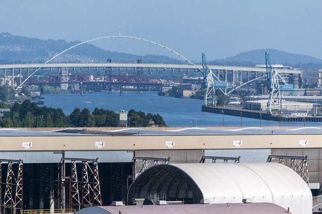 Vigor_and_the_Fremont_Bridge